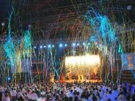 Xena Vuurwerk creëert met spectaculaire effecten zoals confetti, streamers, co2 en vlammen extra sfeer op bedrijfsfeesten, evenementen en festivals