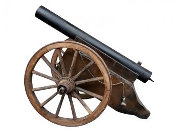 Harde kanonsschoten uit authentiek kanon afvuren bij bedrijfsopening of feestelijke gelegenheden